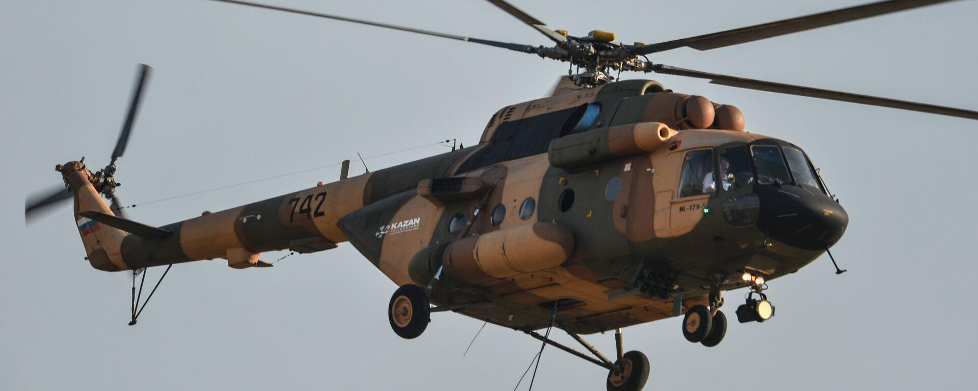 Un helicóptero ruso Mi-17V5 - Sputnik Mundo, 1920, 12.08.2021