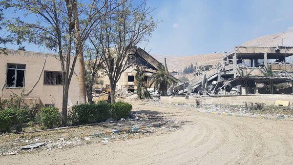 Las ruinas de un edificio en el municipio de Barzeh - Sputnik Mundo