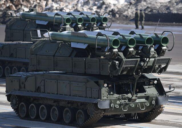 Sistema de misiles antiaéreos Buk-M2 (imagen referencial)