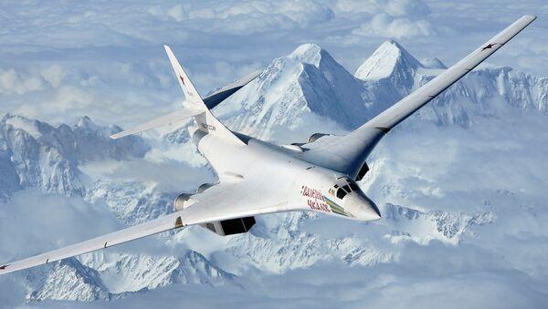 Bombardero estratégico supersónico Tu-160 - Sputnik Mundo