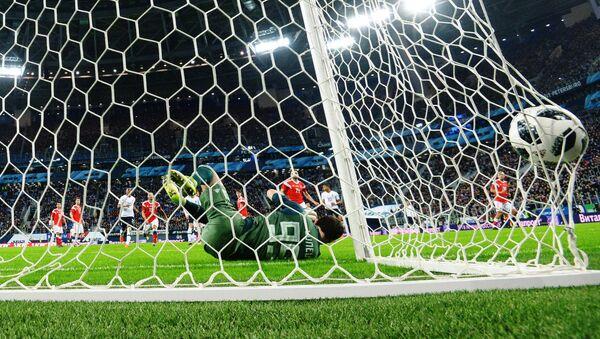 Partido de fútbol (imagen referencial) - Sputnik Mundo