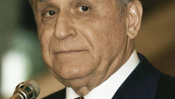 Ion Iliescu, expresidente de Rumanía - Sputnik Mundo