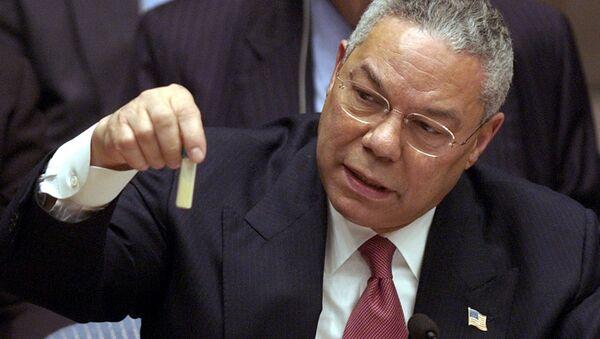 Colin Powell, secretario de Estado de EEUU entre 2001 y 2005, presenta ante la ONU una falsa muestra de ántrax en 2003 - Sputnik Mundo