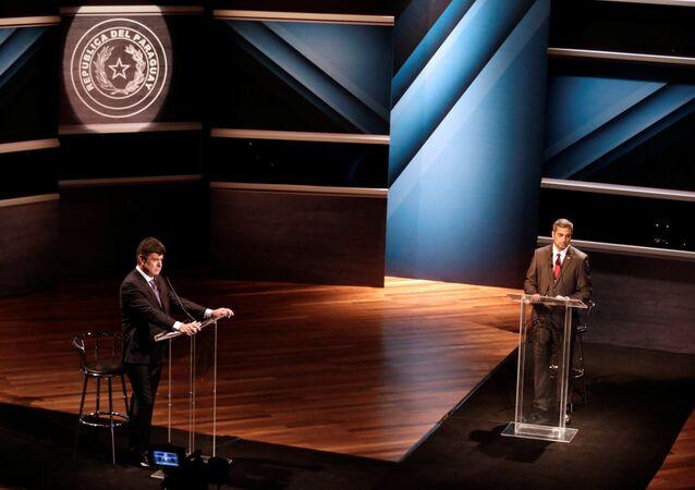 Los candidatos presidenciales paraguayos Mario Abdo Benítez y Efraín Alegre