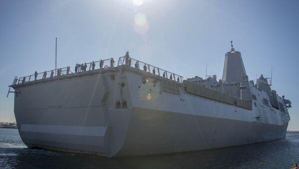 El buque de asalto anfibio USS Portland (LPD-27) - Sputnik Mundo