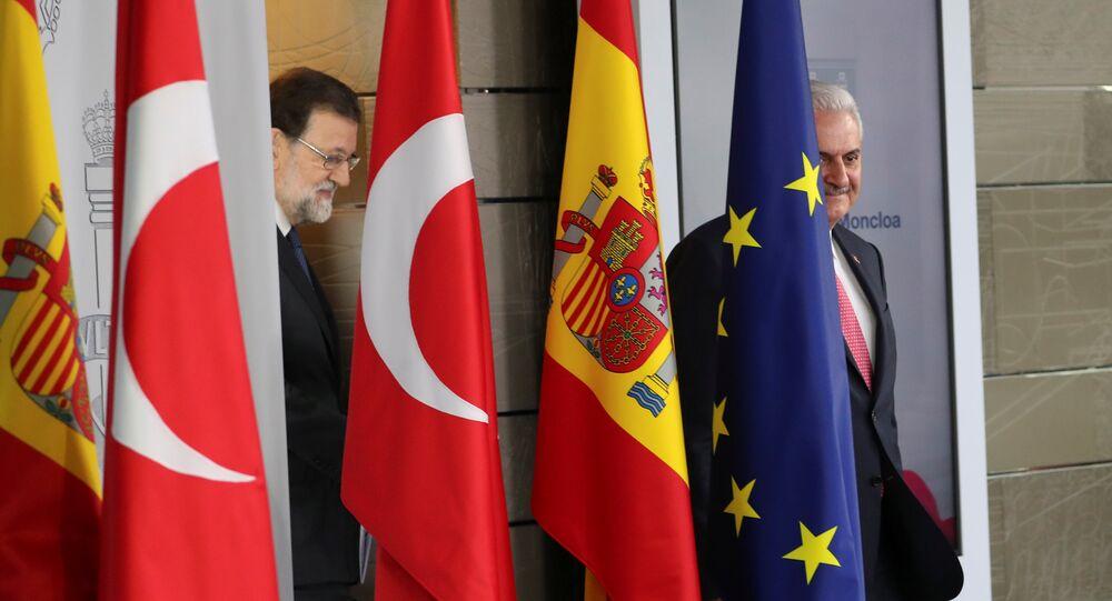El presidente del Gobierno español, Mariano Rajoy, y el primer ministro turco, Binali Yildirim