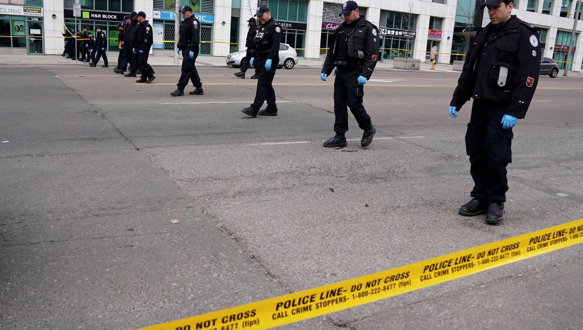 Policía en el lugar del atropello en Toronto - Sputnik Mundo, 1920, 24.04.2018