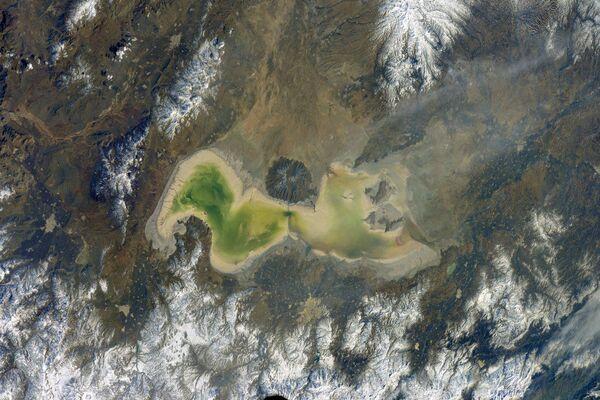 La Tierra, vista desde la ventana de la Estación Espacial Internacional - Sputnik Mundo