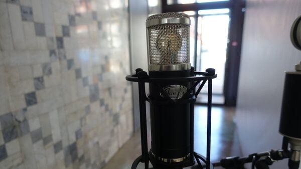 Micrófono a válvulas MKL-111 de la fábrica Oktava - Sputnik Mundo