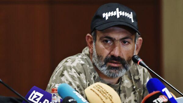 El diputado opositor Nikol Pashinián - Sputnik Mundo