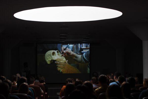 Демонстрация методов реконструкции внешности живых существ по их костным останкам - Sputnik Mundo