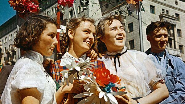 Paz, trabajo y mayo: así celebraban los soviéticos el Día Internacional de los Trabajadores - Sputnik Mundo