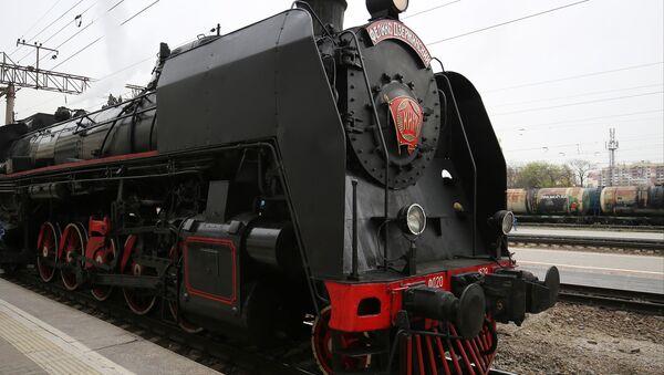 El tren a vapor vintage Pobeda - Sputnik Mundo