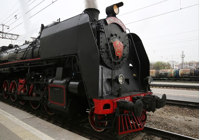 El tren a vapor vintage Pobeda