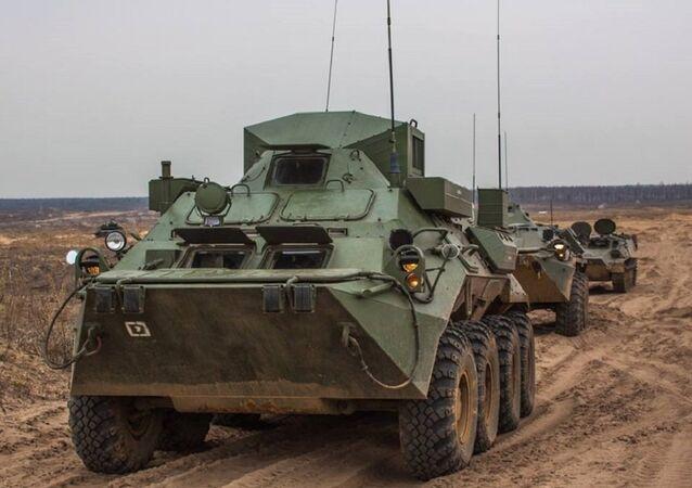 El entrenamiento militar en el polígono de Gorojovetski