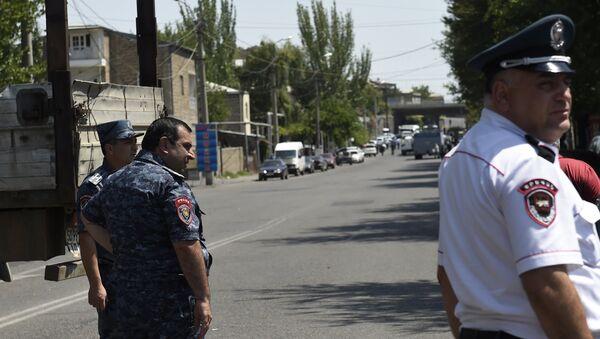 Policía de Armenia - Sputnik Mundo