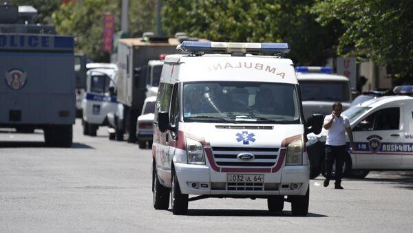 Ambulancia en Ereván, Armenia (archivo) - Sputnik Mundo
