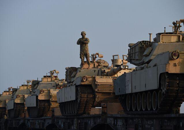 Los vehículos blindados de EEUU en la base militar de Rumanía (archivo)