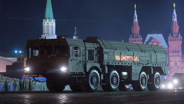 El ensayo nocturno del desfile de la Victoria en Moscú - Sputnik Mundo