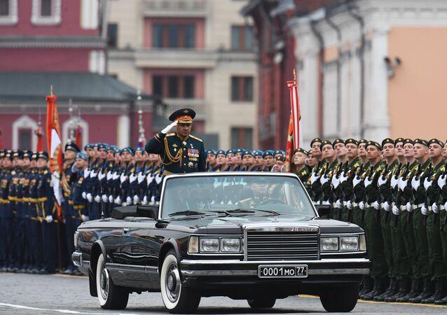 El ministro ruso de Defensa, Serguéi Shoigú, durante el ensayo general del desfile militar en la Plaza Roja por el 73 aniversario de la Victoria en la Gran Guerra Patria.
