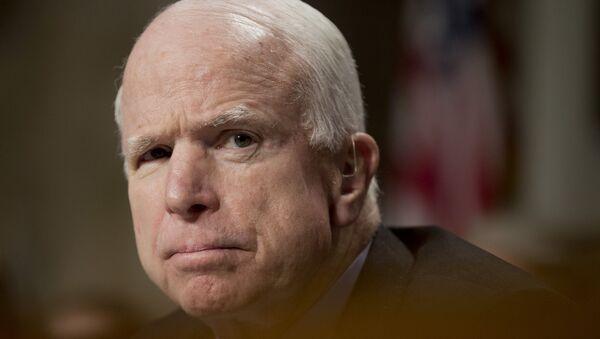 John McCain, político estadounidense (archivo) - Sputnik Mundo