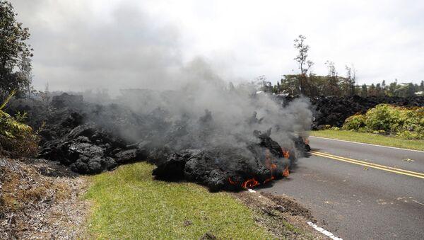 La lava del volcán Kilauea en Hawái, 5 de marzo de 2018 - Sputnik Mundo