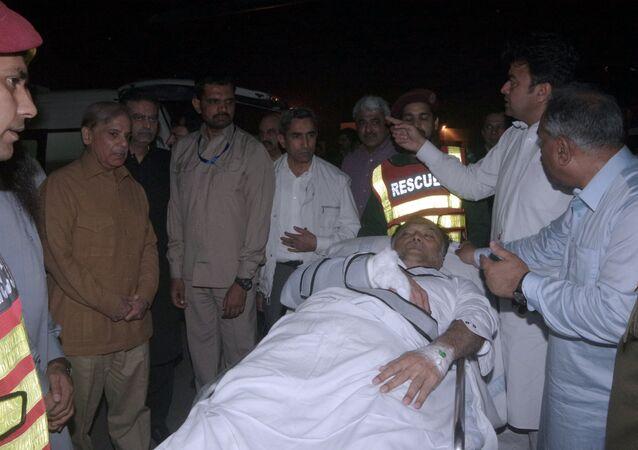 Ahsan Iqbal, el ministro del Interior de Pakistán, tras sufrir un ataque