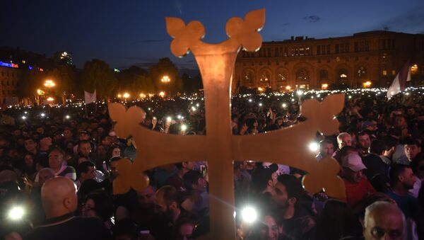 Seguidores de Nikol Pashinián, líder de la oposición armenia - Sputnik Mundo