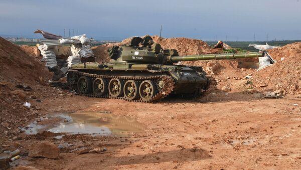Un tanque T-62 en Siria, foto de archivo - Sputnik Mundo