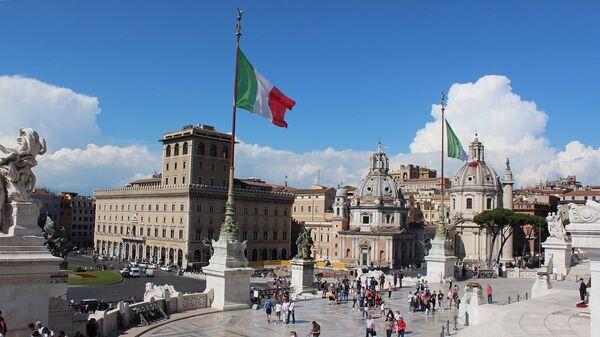 La bandera de Italia en Roma - Sputnik Mundo