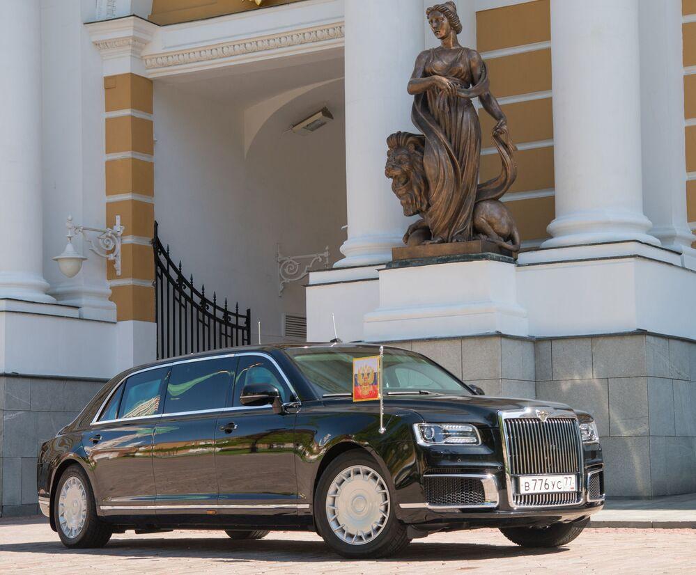 Putin estrena la nueva limusina rusa Kortezh