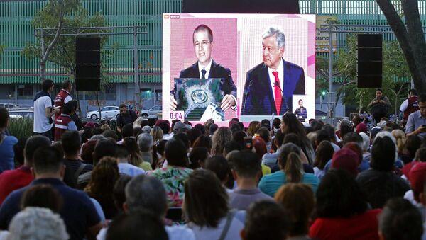 Ricardo Anaya y Andrés Manuel López Obrador, candidatos presidenciales mexicanos - Sputnik Mundo