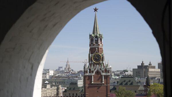 La torre Spasskaya del Kremlin de Moscú - Sputnik Mundo