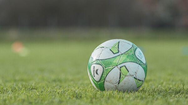 Pelota de fútbol (imagen referencial) - Sputnik Mundo
