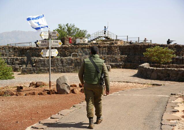 Un soldado israelí en los Alton de Golán (archivo)