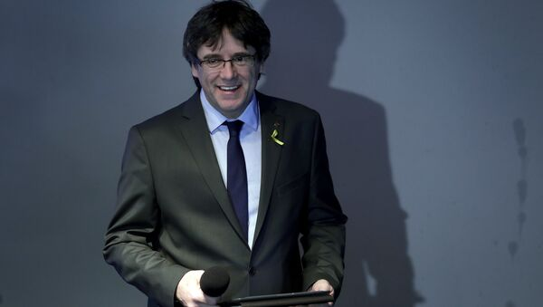 Carles Puigdemont, el expresidente de Cataluña - Sputnik Mundo
