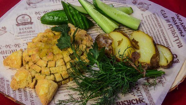 Pata de oso, plato tradicional de la cocina mordovina - Sputnik Mundo