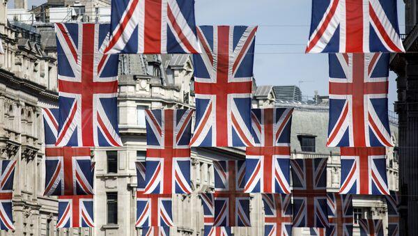Banderas del Reino Unido en Londres - Sputnik Mundo