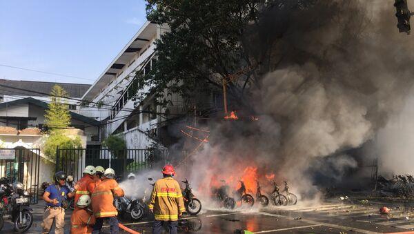 El lugar de la exploción en Surabaya, Indonesia - Sputnik Mundo
