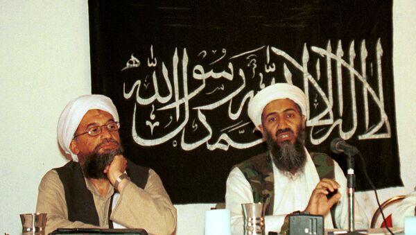 Ayman Zawahiri y Osama bin Laden - Sputnik Mundo