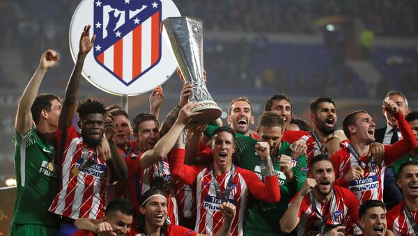 Atlético de Madrid celebra la victoria - Sputnik Mundo