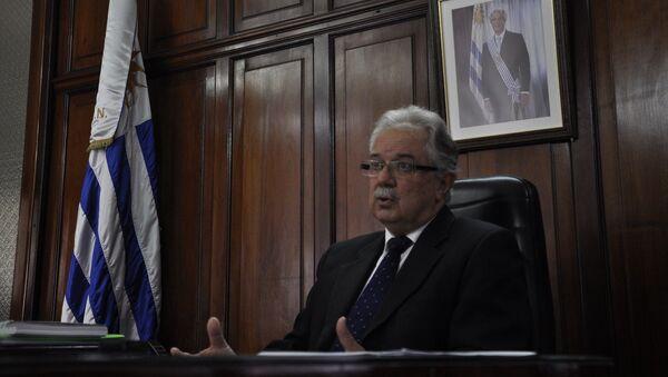 Jorge Menéndez, ministro uruguayo de Defensa - Sputnik Mundo