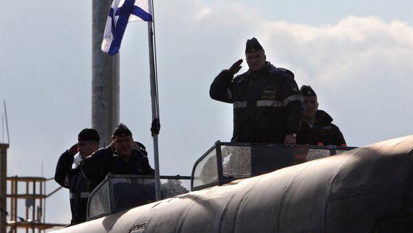 Tripulantes del submarino nuclear Vladímir Monomaj (archivo) - Sputnik Mundo