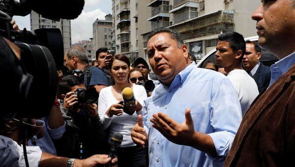 Javier Bertucci, candidato a la presidencia de Venezuela, cerca de SEBIN - Sputnik Mundo