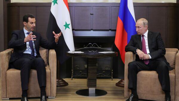 El presidente de Siria, Bashar al Asad y el presidente de Rusia, Vladímir Putin - Sputnik Mundo