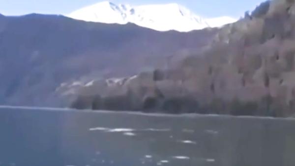 ¿Podría ser este el monstruo del lago Ness chino? - Sputnik Mundo