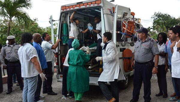 Ambulancia en el lugar del siniestro del avión Boeing 737 en La Habana - Sputnik Mundo