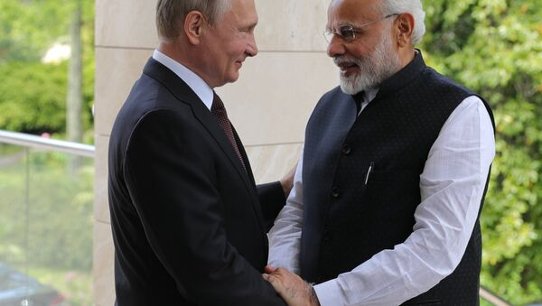 Presidente de Rusia, Vladímir Putin, y primer ministro indio, Narendra Modi - Sputnik Mundo