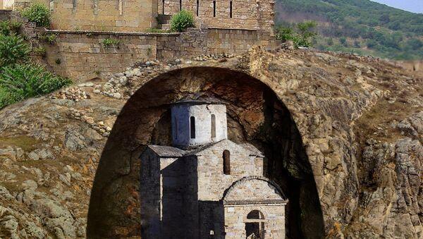 La interpretación artística de la estructura enterrada en la parte noroccidental de la fortaleza de Narín-Kalá - Sputnik Mundo