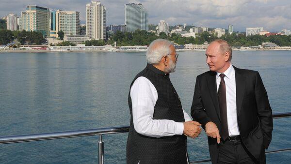 Primer ministro indio, Narendra Modi, y presidente de Rusia, Vladímir Putin - Sputnik Mundo